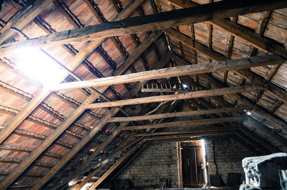 plafond en cours de construction