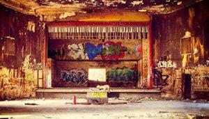 bar old school dans un sous sol